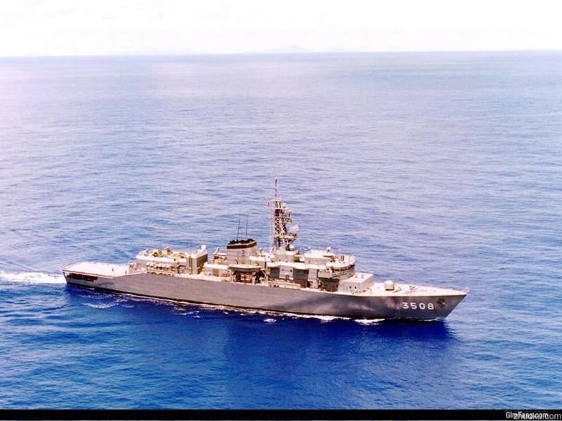 壁纸800×600海军战舰4 壁纸24壁纸 海军战舰4壁纸图片军事壁纸军事图片素材桌面壁纸