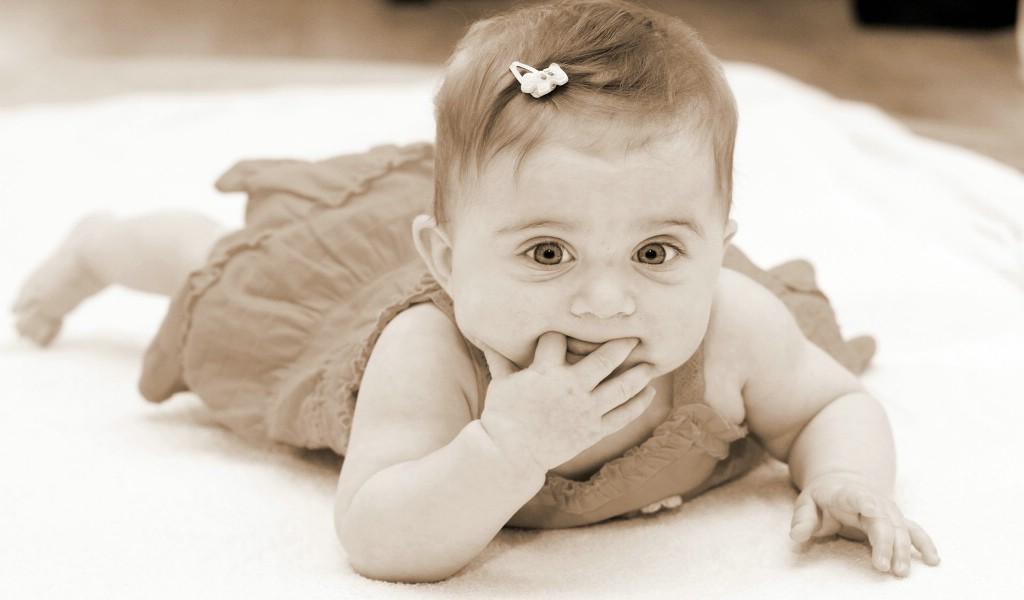 壁纸1024×600人体艺术图片 婴儿 壁纸8壁纸 人体艺术图片(婴儿)壁纸图片系统壁纸系统图片素材桌面壁纸