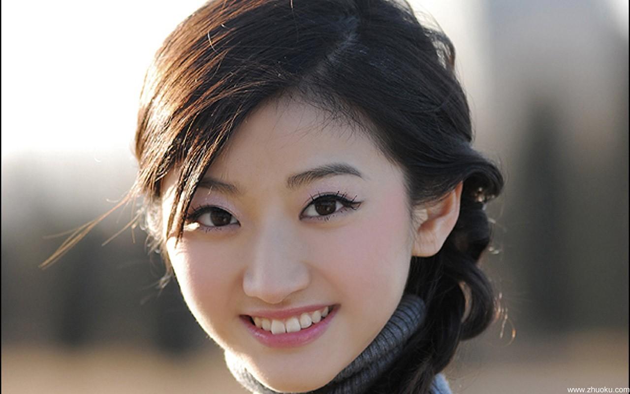 中国美女景甜宽屏壁纸16床上撕a美女美女衣服被图片